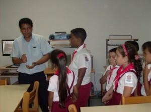 Niños en la Sala Braille